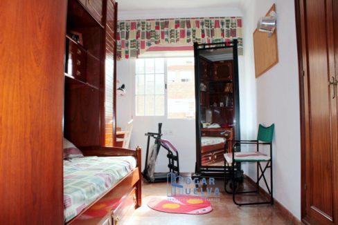 Gran piso reformado, exterior y soleado en Isla Chica18