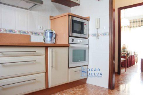 Gran piso reformado, exterior y soleado en Isla Chica8